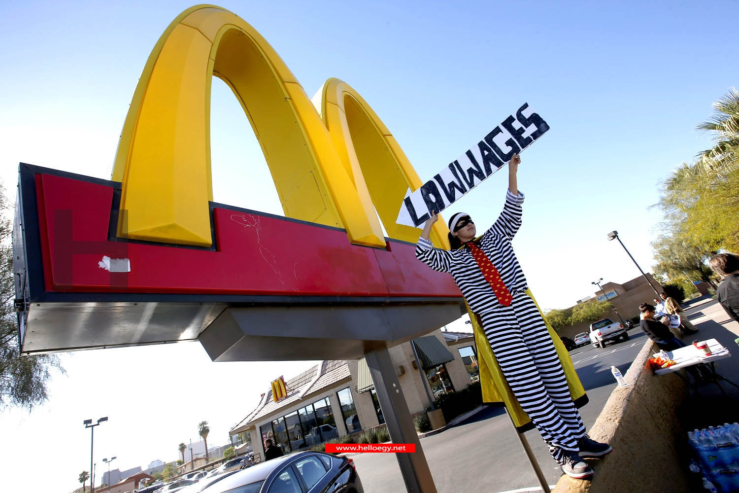 McDonald's warns employees of fast food